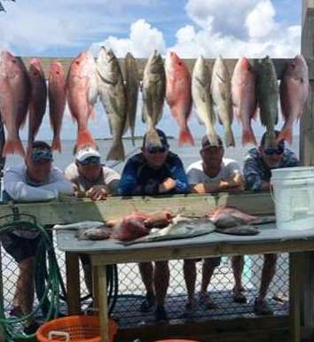 JASONS JACKSONVILLE CREW TORE EM UP TODAY W CAPT JOHN
